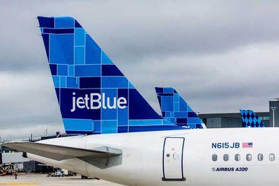 (Tied) 4. JetBlue Airways