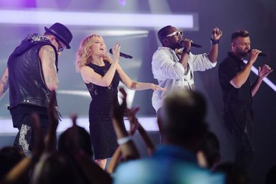 Joel Madden, Kylie Minogue, will.i.am and Ricky Martin belt out a tune.