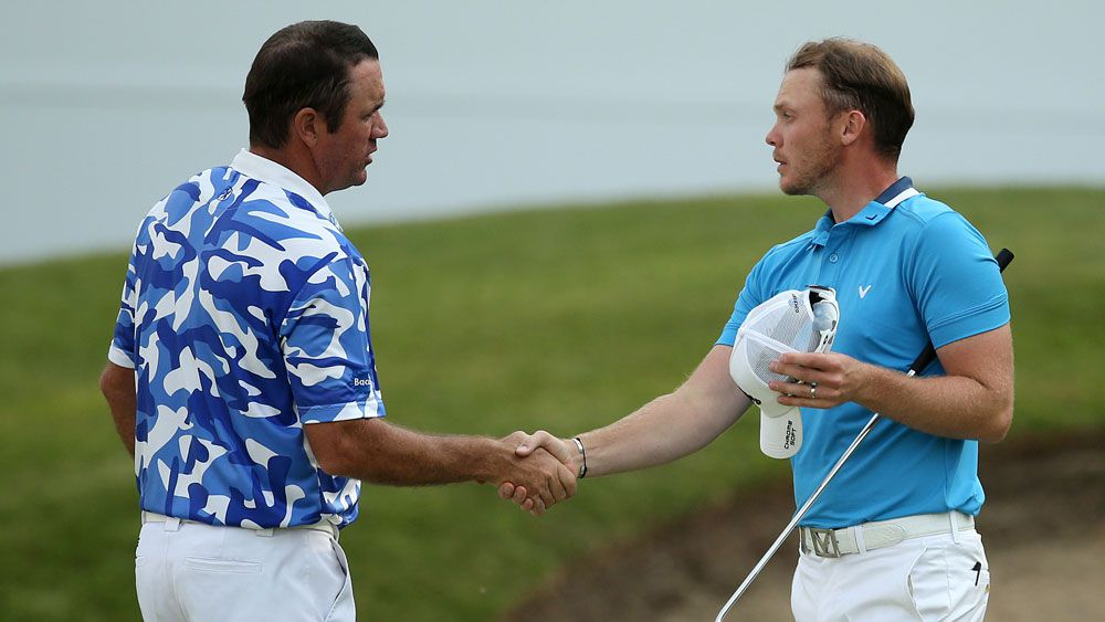 Hend hits front as Willett's bid unravels