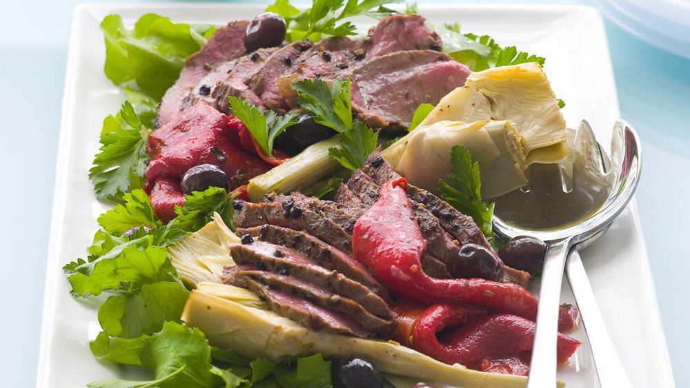 Peppered lamb and artichoke salad