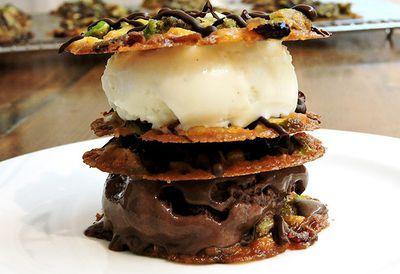 Pistachio florentine sandwich