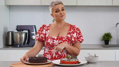 Jane de Graaff shows us the three-ingredient slow-cooker cake hack