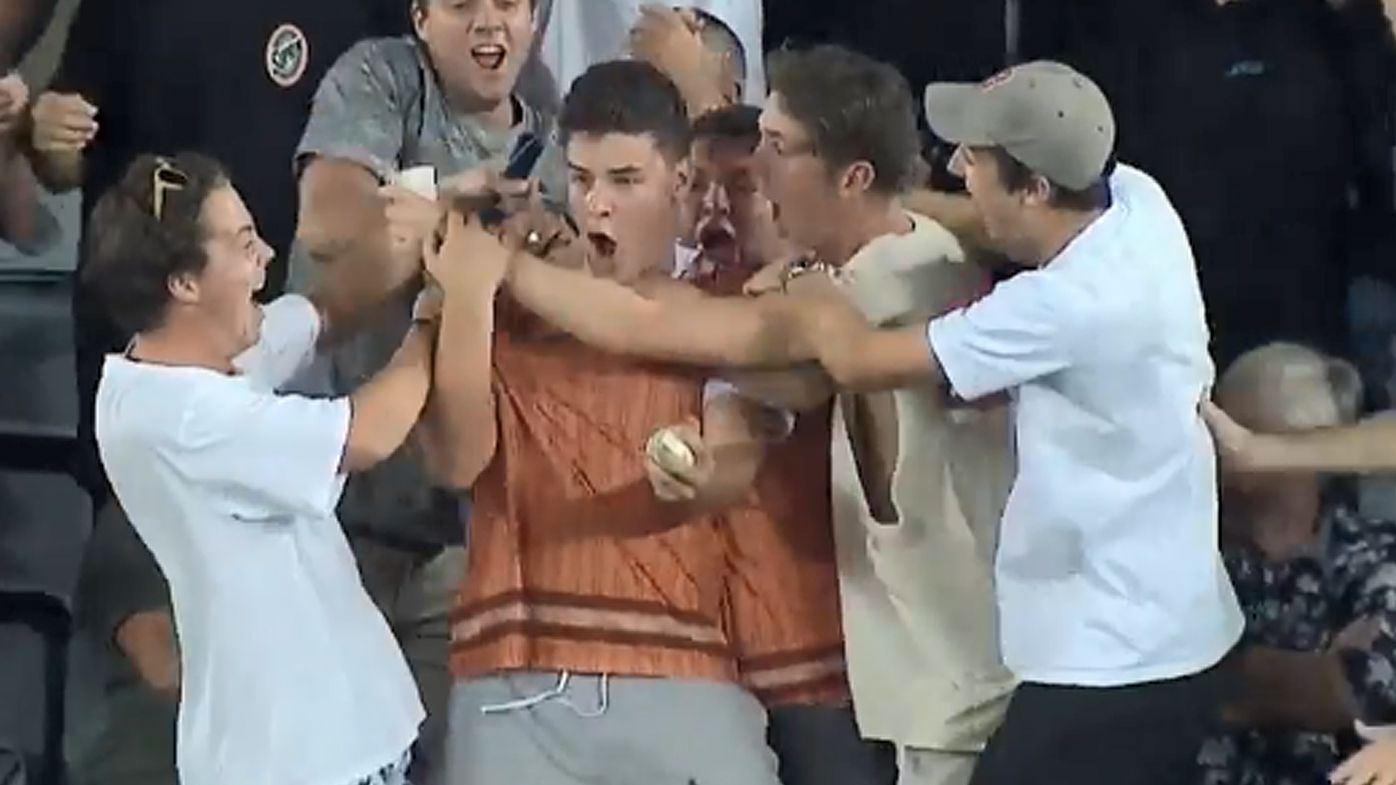 New Zealand cricket fan makes classic one-handed crowd catch to win $50,000 at T20 International