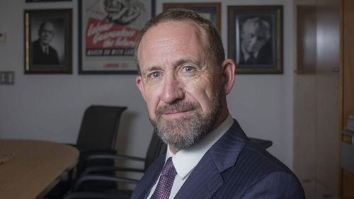 Minister of Justice Andrew Little has taken a swipe at the British press and Google for breaches of name suppression.