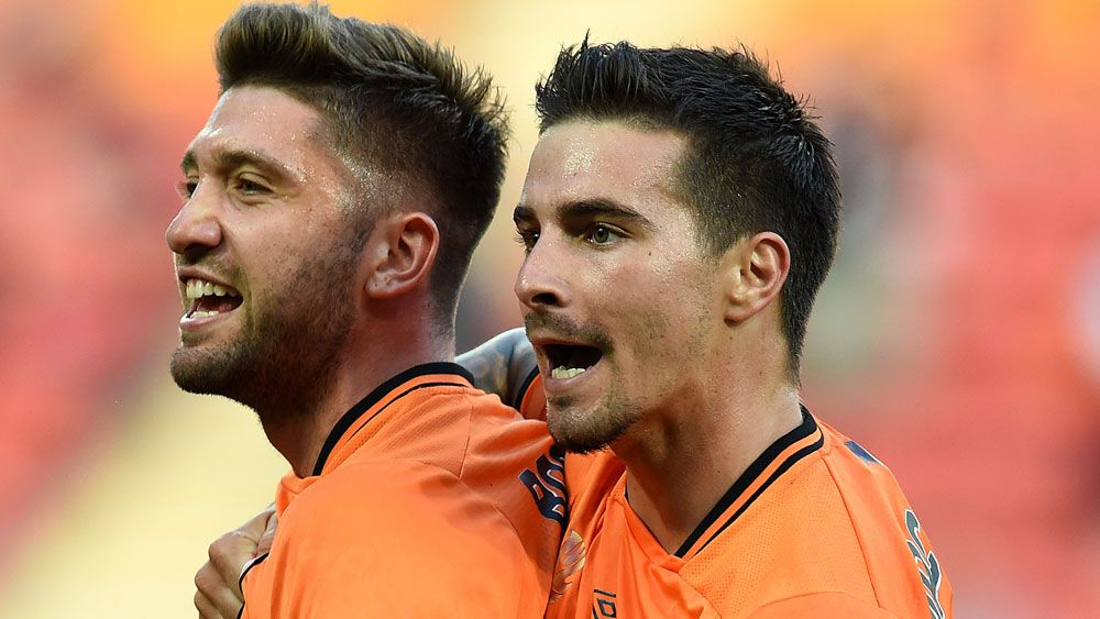 Roar goal scorers Brandon Borrello and Jamie Maclaren. (AAP)