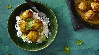 Satay pork meatballs