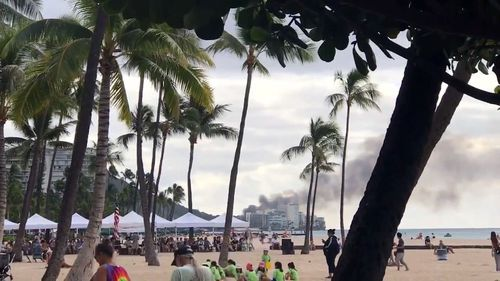 2 officers shot, in critical condition in Hawaii