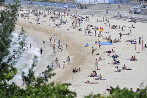 Temperatures are forecast to be warm across Australia this weekend. (AAP)