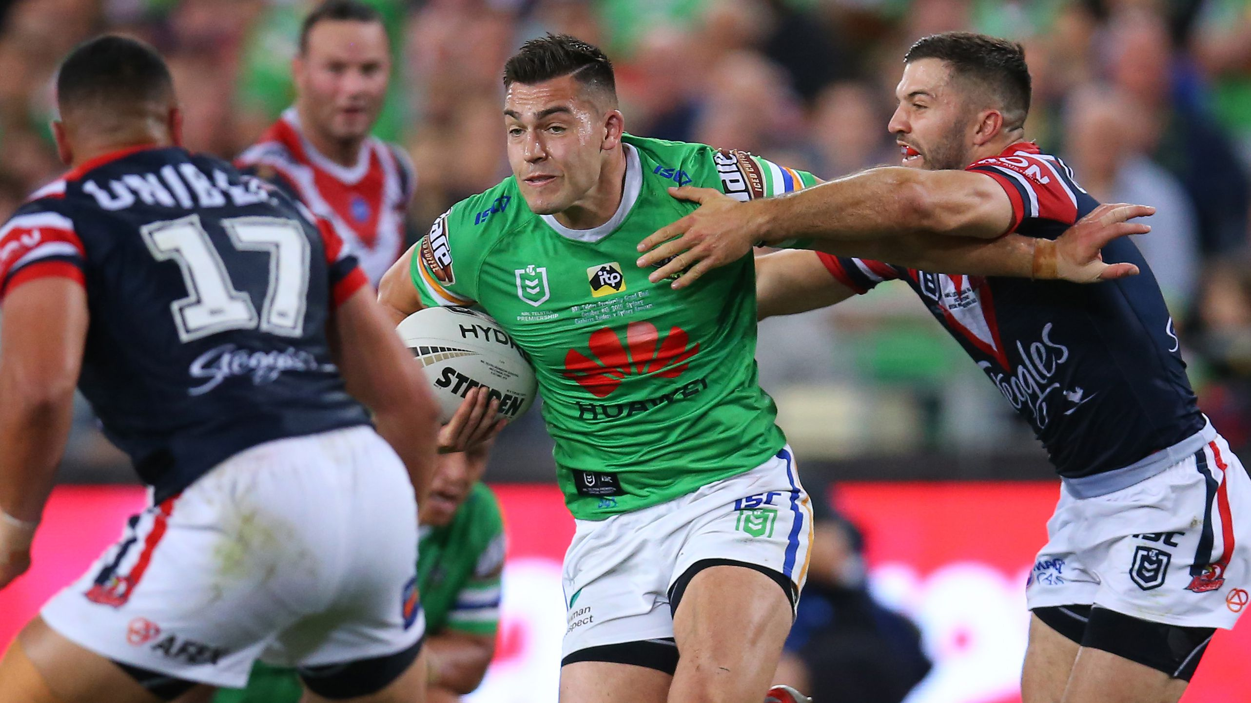Nick Cotric runs the ball in the 2019 NRL grand final.