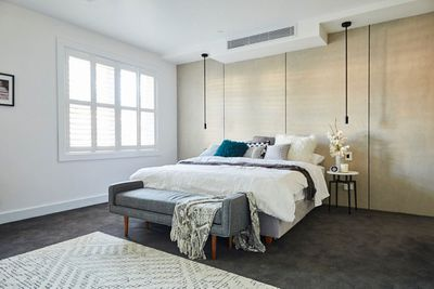 <p>Jess and Norm; master bedroom</p> <p>Final score: 20/30</p>