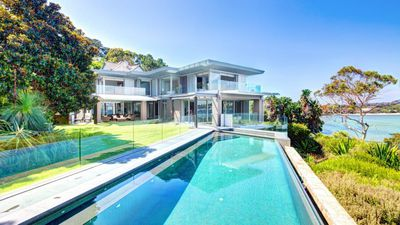 """<a href=""""http://www.realestate.com.au/property-house-nsw-rose+bay-121975122"""" target=""""_blank""""><strong>19 Bayview Hill Road&nbsp;Rose Bay&nbsp;NSW&nbsp;2029</strong></a>"""