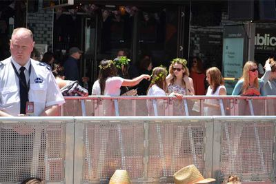 Tens of thousands of people have turned out to line Courtenay Place to watch the stars, crew, local celebrities and other guests walk the carpet to watch the first film in the adaptation of JRR Tolkien's novel of hobbits, dwarves and elves.