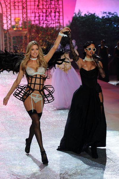Doutzen Kroes and Rihannaat the 2012 Victoria's Secret Show