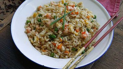 "Recipe:&nbsp;<a href=""http://kitchen.nine.com.au/2016/06/06/12/26/authentic-fried-rice"" target=""_top"">Authentic fried rice</a>"
