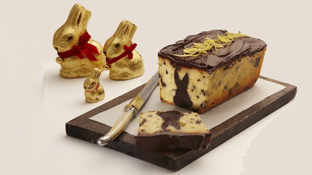 Lemon cake with fudgy Lindt Bunny centre