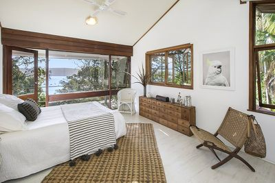 <strong>6A Surf Rd,Whale Beach</strong>