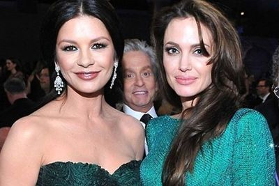 The best celebrity photobomb ever...starring Michael Douglas.