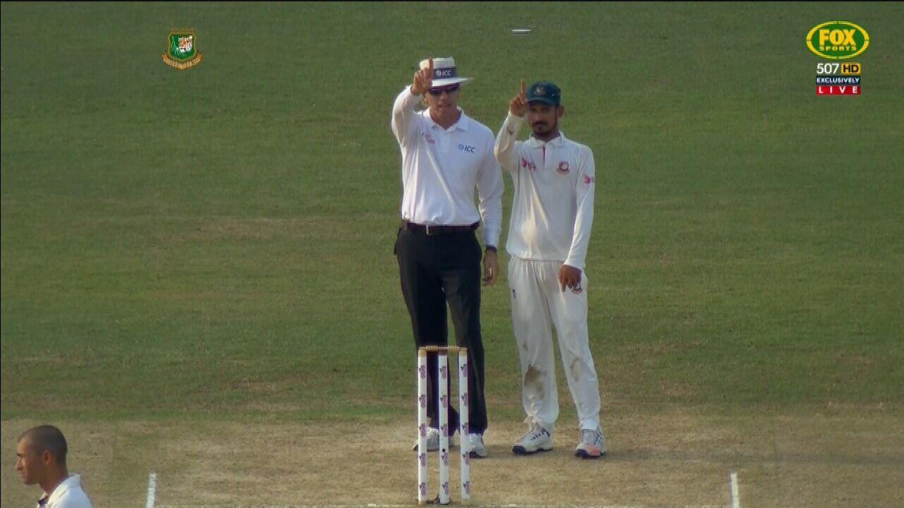 Hossain's cheeky umpire imitation