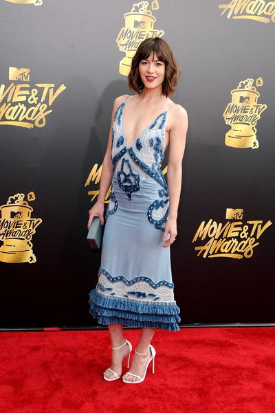 Actress Mary Elizabeth Winstead in Jonathan Simkhai at the 2017 MTV Movie & TV Awards in Los Angeles