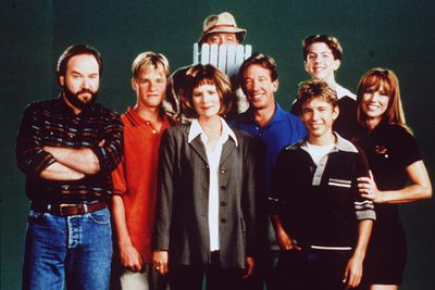 Tim the Toolman Taylor! <i>Home Improvement</i> was one of the best '90s sitcoms on the telly. Here's the cast in 1998 (the show was aired from 1991 to 1999).<br/><br/>Left to right, back row: Earl Hindman (Wilson) and Taran Noah Smith (Mark). Left to right, front row: Richard Karn (Al), Zachery Ty Bryan (Brad), Patricia Richardson (Jill), Tim Allen (Tim), Jonathan Taylor Thomas (Randy) and Debbe Dunning (Heidi).