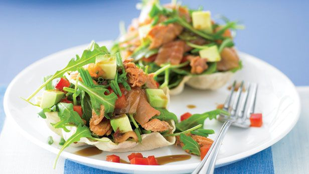 Pappadums with salmon and avocado