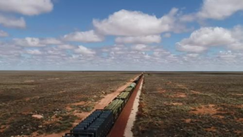 Trains up to 1.8 kilometres long are responsible for moving roughly 90 percent of freight between Perth and Australia's east coast. (9NEWS)