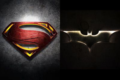 It's official, Zack Snyder is making a <i>Man of Steel</i> sequel in which Batman and Superman go head-to-head. Squee!