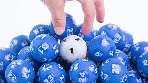 Record lottery has biggest ever jackpot in Australia tonight