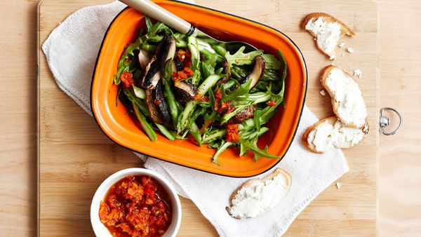 Roast mushroom and rocket salad