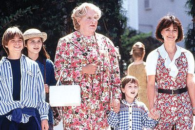 "<b><a target=""_blank"" href=""http://yourmovies.com.au/bestmovies/glance/403937/funniest-mrs-doubtfire-moments.glance"">Click HERE re-watch all your fave <i>Mrs Doubtfire</i> moments.</a></b>"