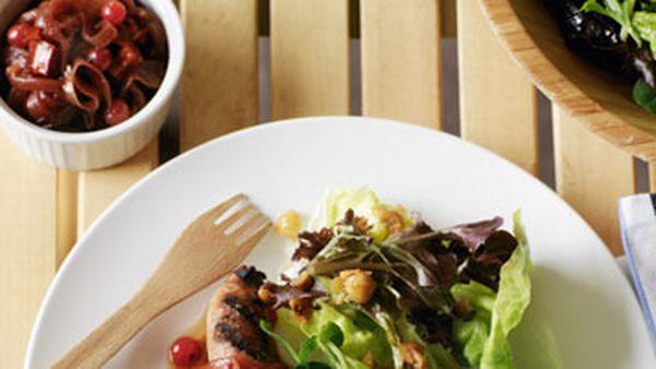 Green salad with hazelnut dressing