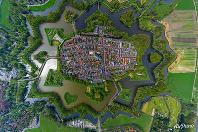 <strong>Naarden, Netherlands</strong>