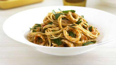 "<a href=""http://kitchen.nine.com.au/2016/05/19/17/03/calamari-chilli-and-garlic-spaghettini"" target=""_top"">Calamari, chilli and garlic spaghettini</a> recipe"