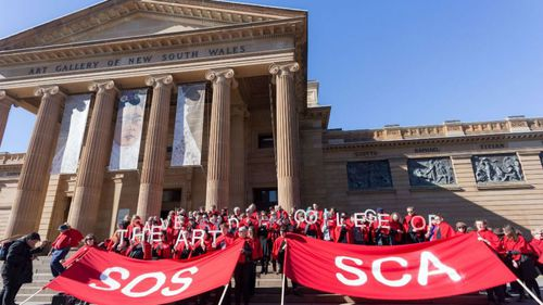 Anthony Albanese joins rally to keep Sydney art college