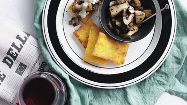 Fried polenta with mushrooms and Gorgonzola