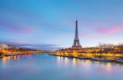 Eiffel Tower, Paris at dusk