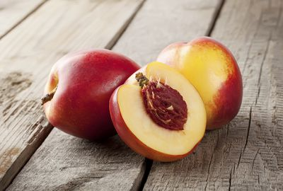 <strong>17. Nectarines</strong>