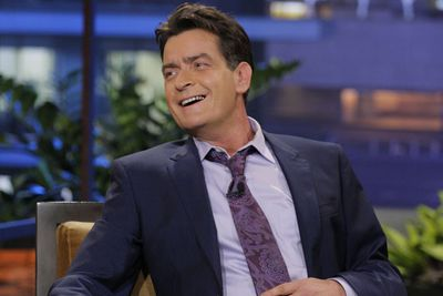 """Let's be honest... can anyone actually keep up with Charlie Sheen's many relationships?! <br/><br/>The 45-year-old actor, who has been married three times, previously shared his home with GF's Natalie """"Natty"""" Kenly and Rachel Oberlin... and told the <i>New York Post</i>: """"Our bed is big enough for all three of us, and we take turns sleeping in the middle."""" <br/><br/>And the girl's thoughts on Sheen's sleeping arrangements? Natalie told the paper: """"We do whatever Charlie wants us to do.""""<br/><br/>Winning?!"""
