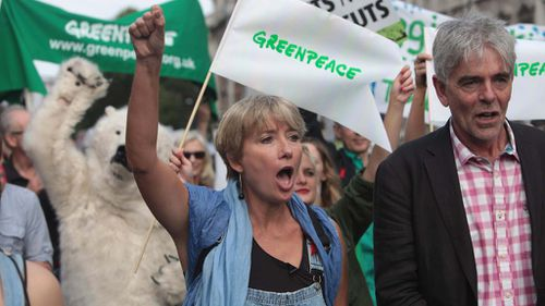 Tens of thousands join London climate march