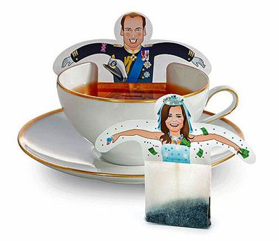 Dunk the royal couple in your royal cuppa!