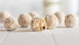 Easy apple and oat balls