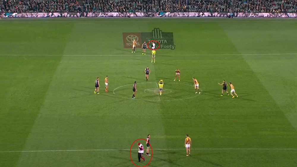 Security guards invade pitch for no reason before Hawthorn's big loss to Port Adelaide