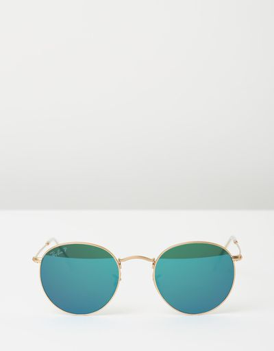 "<a href=""https://www.theiconic.com.au/rb3447-polarised-350438.html"" target=""_blank"" draggable=""false"">Ray Ban RB3447 Polarised in Matte Gold, $289</a><br>"