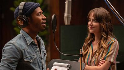 Kelvin Harrison Jr. and Dakota Johnson in The High Note.