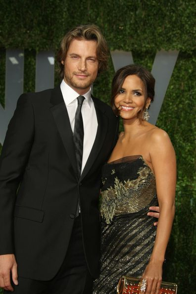 Actress Halle Berry (R) and Gabriel Aubry arrive at the 2009 Vanity Fair Oscar Party hosted by Graydon Carter held at the Sunset Tower on February 22, 2009 in West Hollywood, California.