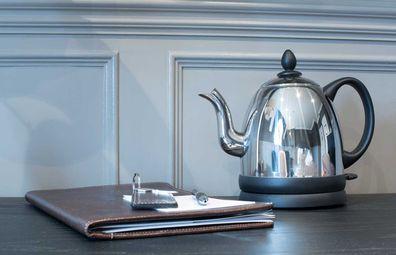 Hotel kettle