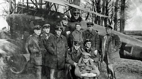 The Red Baron with members of his Flying Circus squadron.