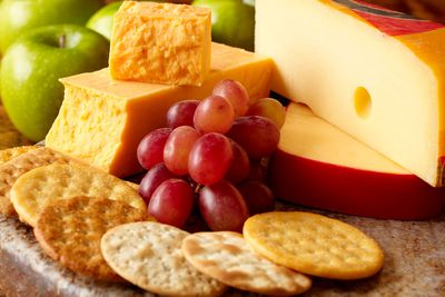 Cheese and crackers: 169 calories