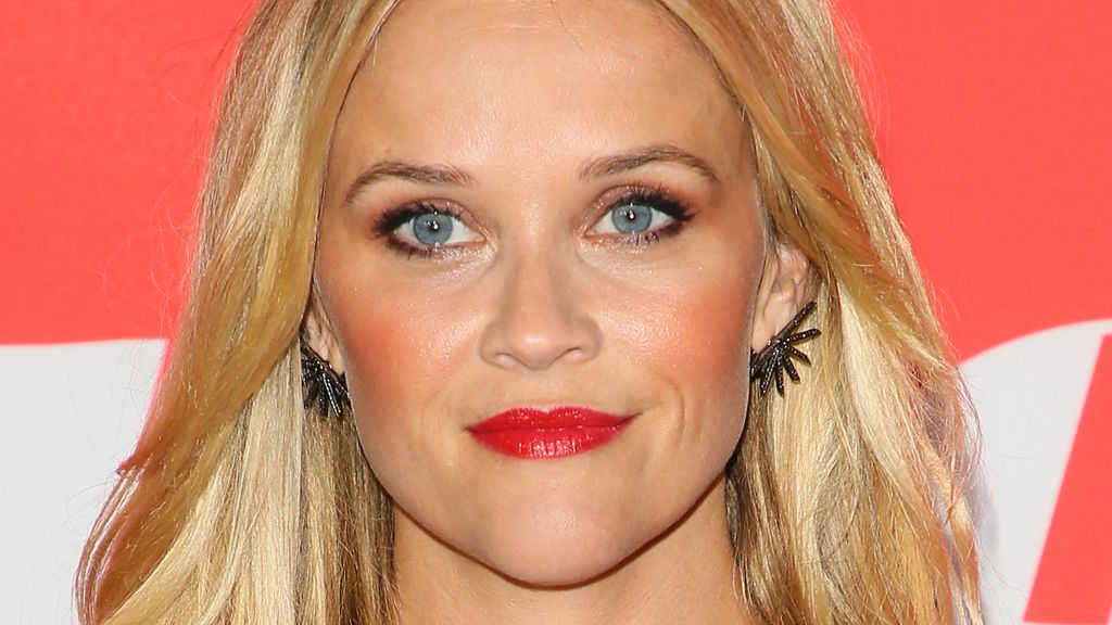 Reese Witherspoon sees red