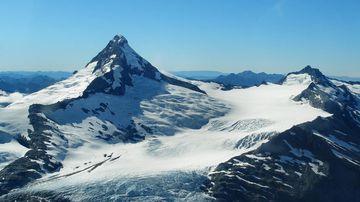 Grave fears for Australian man stranded on New Zealand mountain